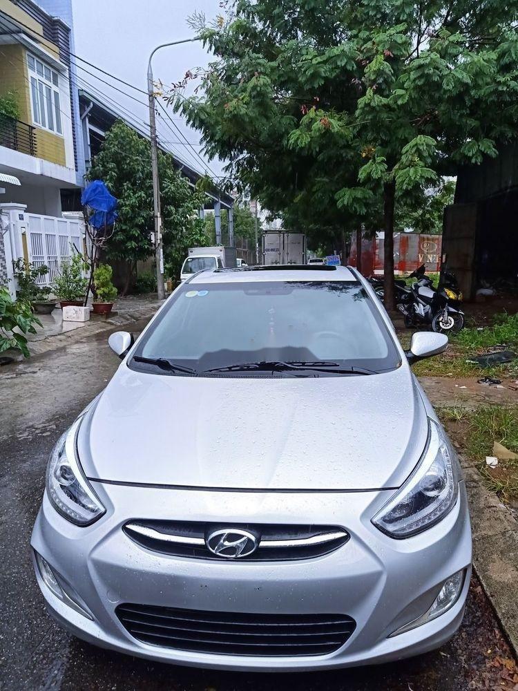 Cần bán Hyundai Accent đời 2015, màu bạc, nhập khẩu  (1)