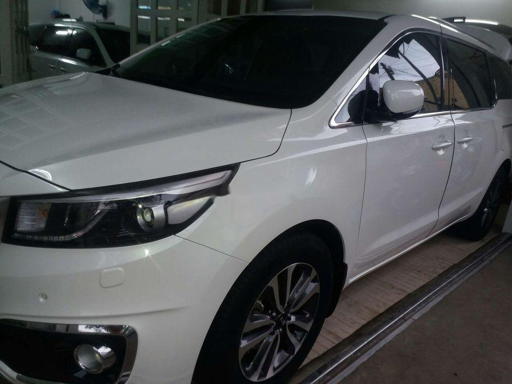 Bán Kia Sedona sản xuất 2018, màu trắng, giá tốt (1)