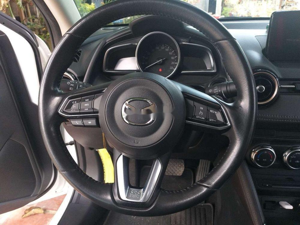 Cần bán lại xe Mazda 2 đời 2018, màu trắng, xe nhập chính hãng (7)