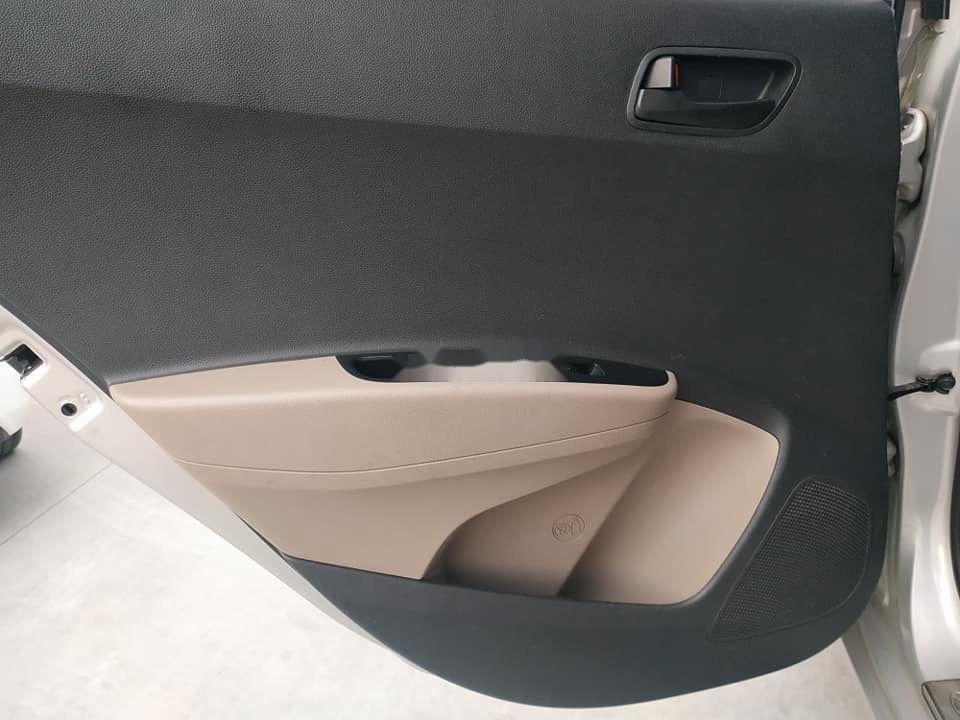 Cần bán Hyundai Grand i10 đời 2015, màu bạc, nhập khẩu nguyên chiếc (7)