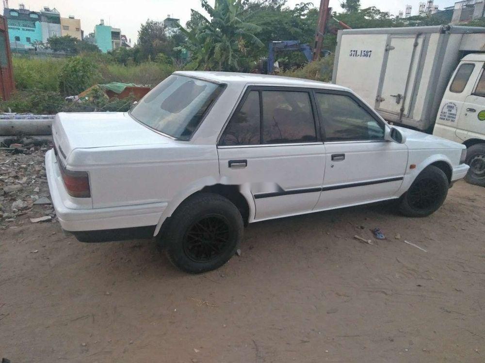 Bán xe Nissan Bluebird đời 1986, màu trắng, 32 triệu (3)