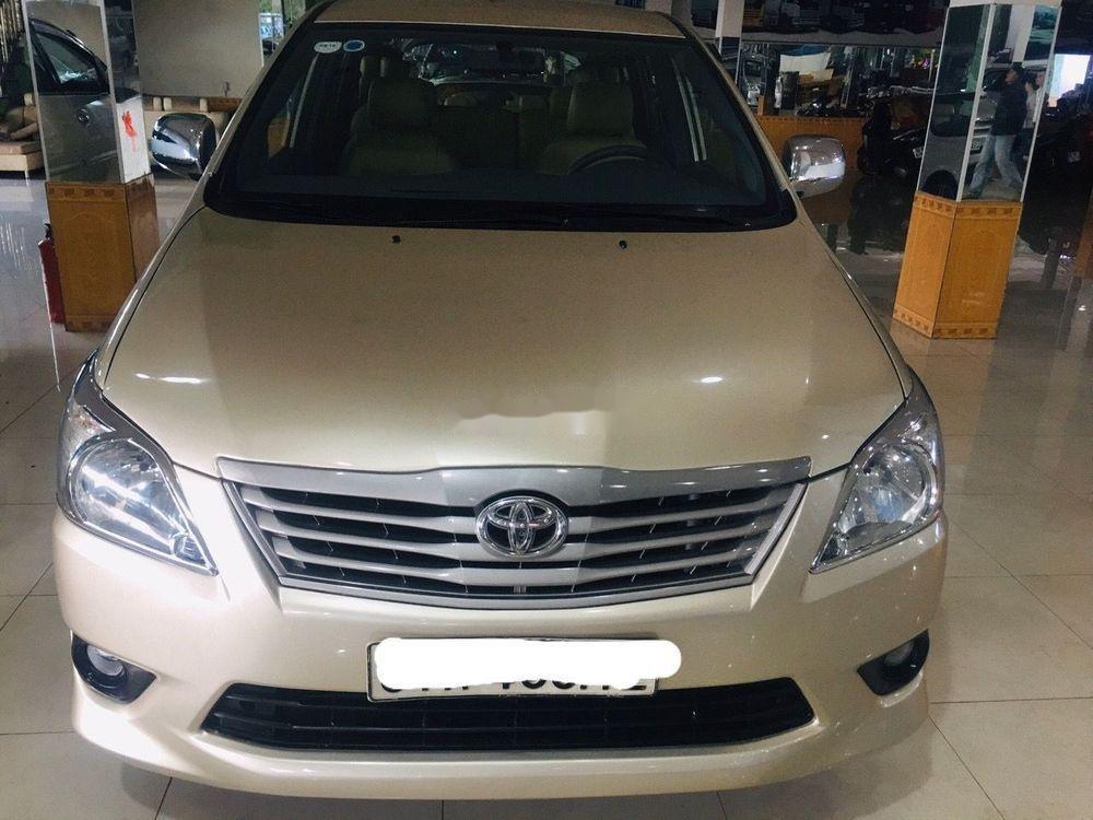 Cần bán gấp Toyota Innova đời 2013, màu vàng, 360tr (1)