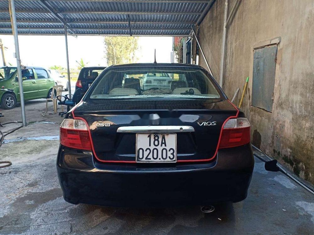 Cần bán gấp Toyota Vios năm 2005, màu đen, chính chủ (2)