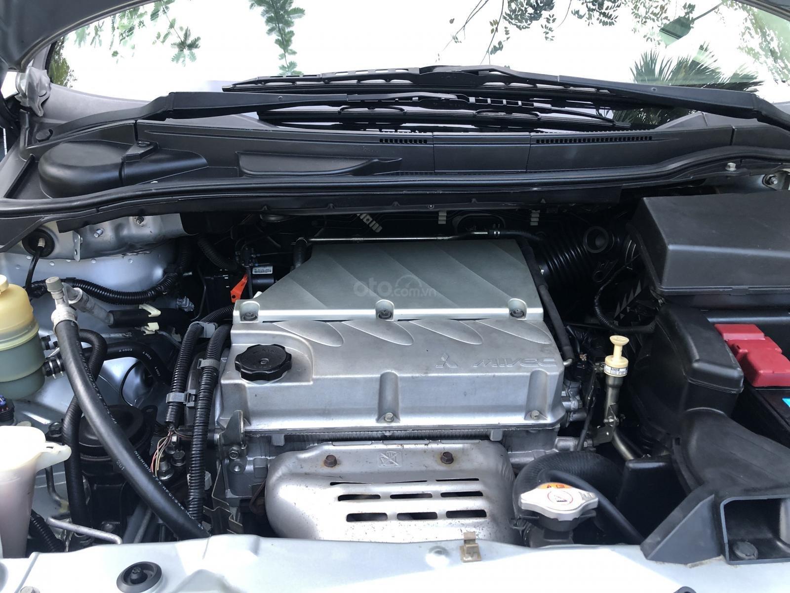 Mitsubishi Grandis 8/2010 xe cực chất, đẹp long lanh (4)