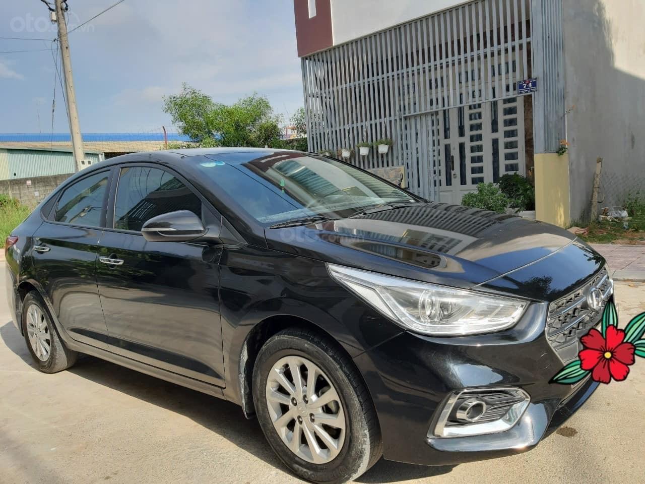Bán ô tô Hyundai Accent 1.4MT năm 2018, màu đen (1)