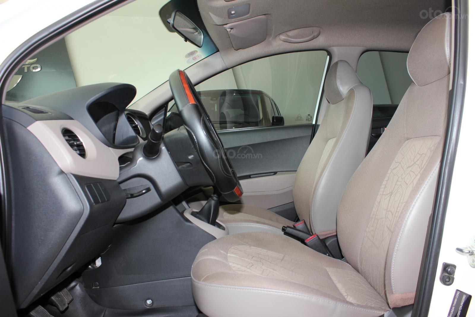 Cần bán xe Hyundai Grand i10 1.2 MT, năm 2018, màu trắng, giá 335tr (9)