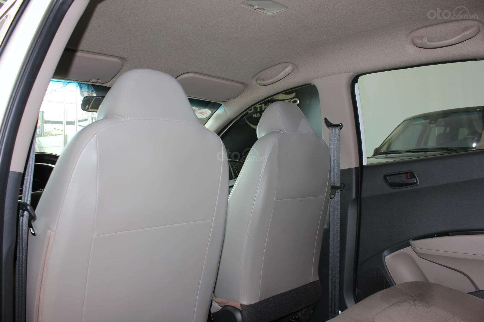 Cần bán xe Hyundai Grand i10 1.2 MT, năm 2018, màu trắng, giá 335tr (13)