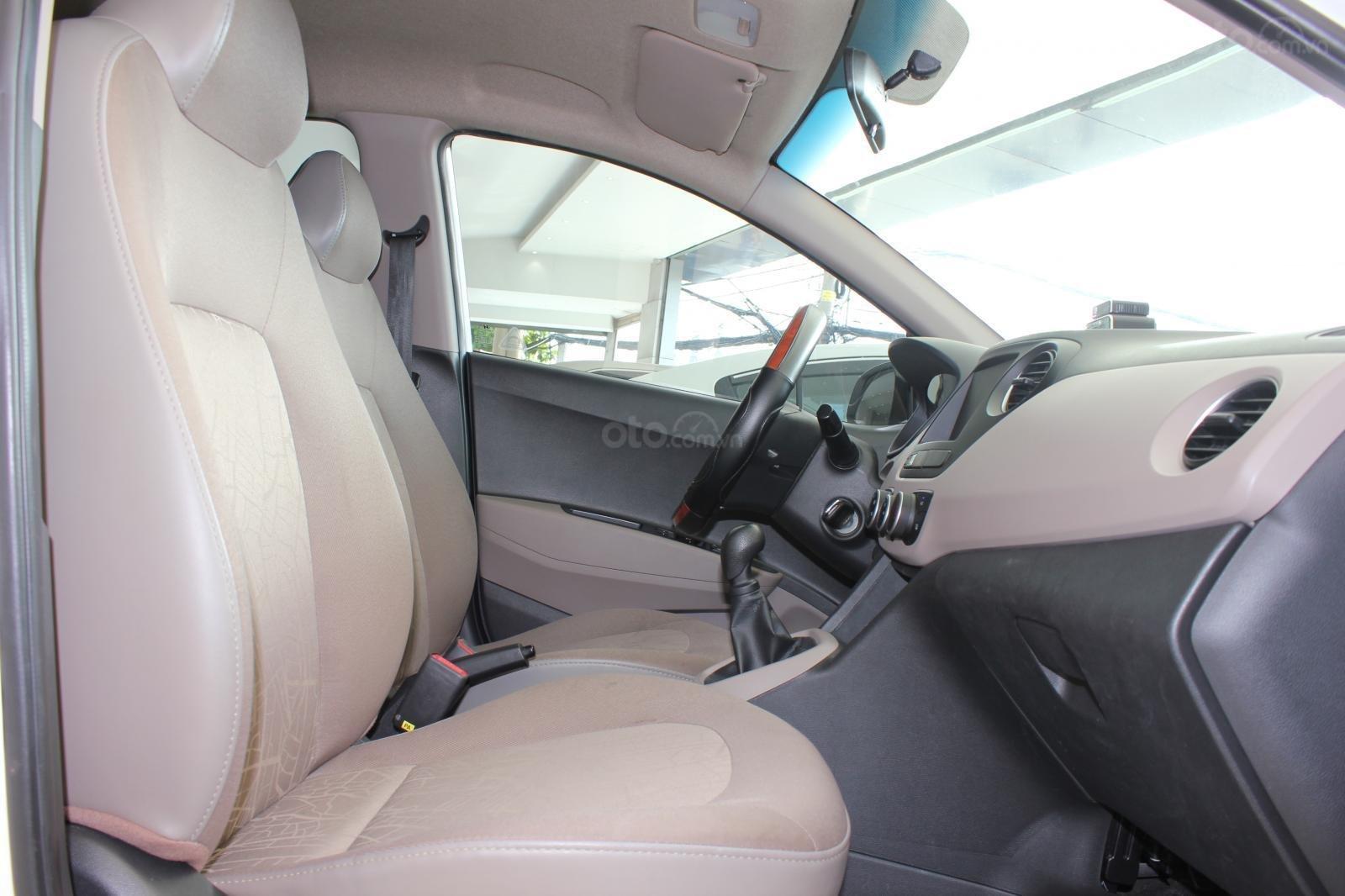 Cần bán xe Hyundai Grand i10 1.2 MT, năm 2018, màu trắng, giá 335tr (16)
