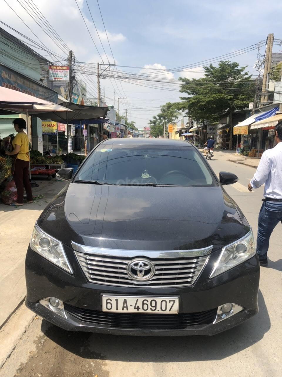 Cần bán Toyota Camry 2.5Q năm sản xuất 2013, màu đen (9)