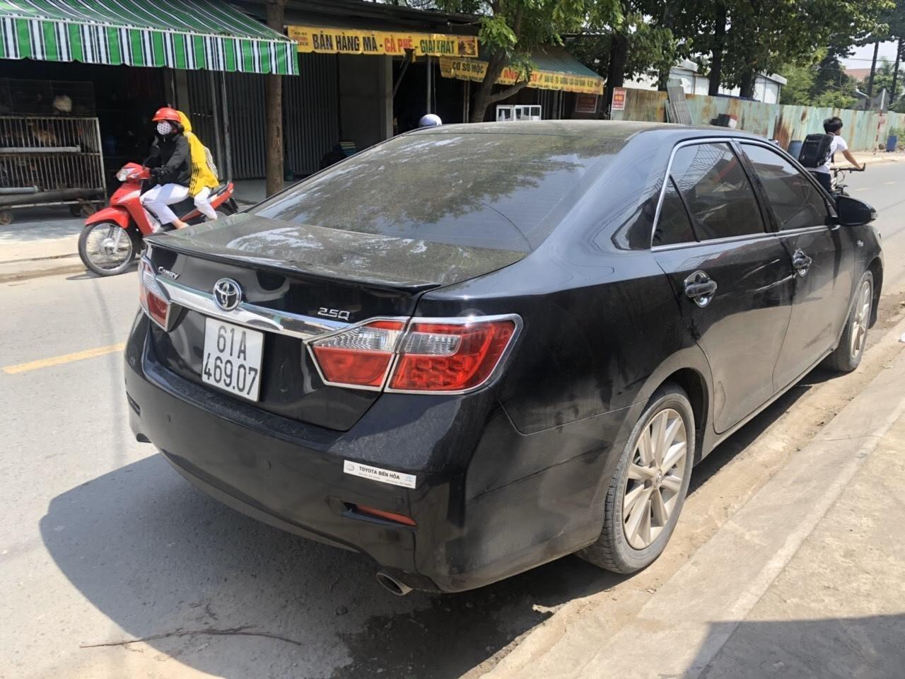 Cần bán Toyota Camry 2.5Q năm sản xuất 2013, màu đen (8)