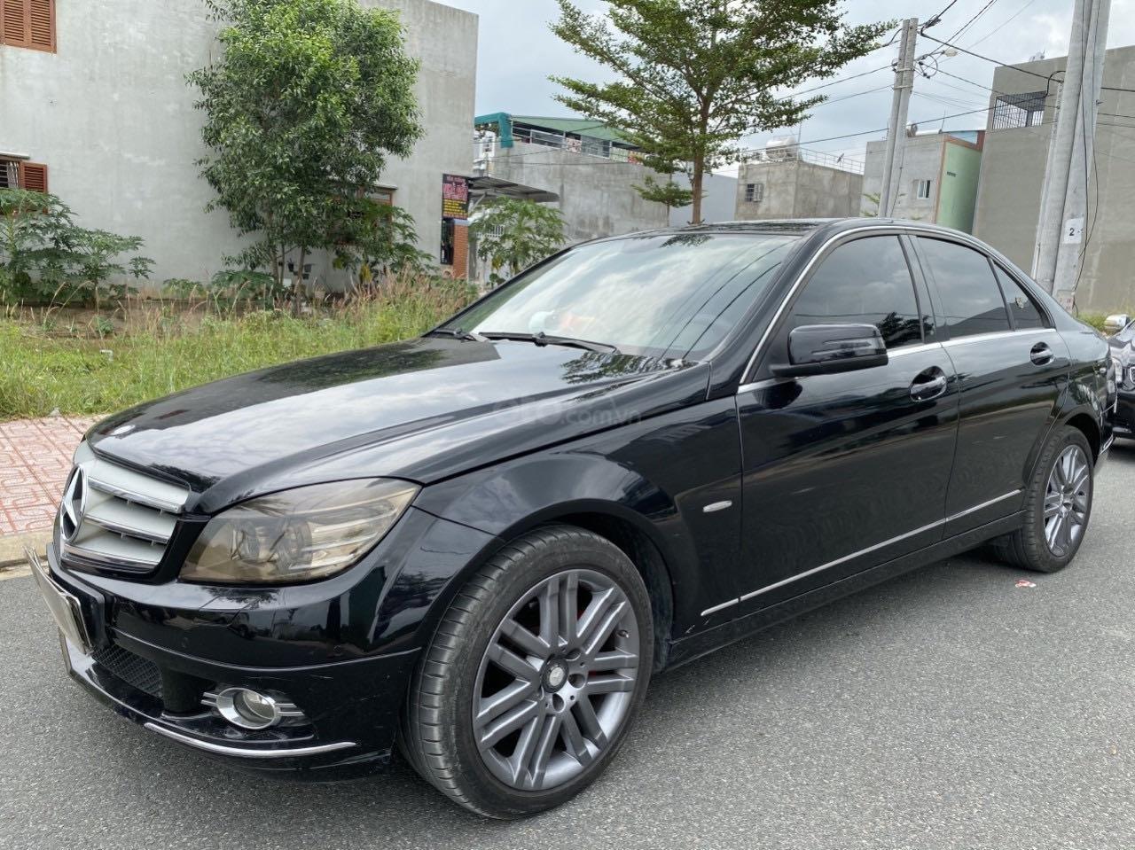 Cần bán xe Mercedes C230 đời 2009, màu đen (3)