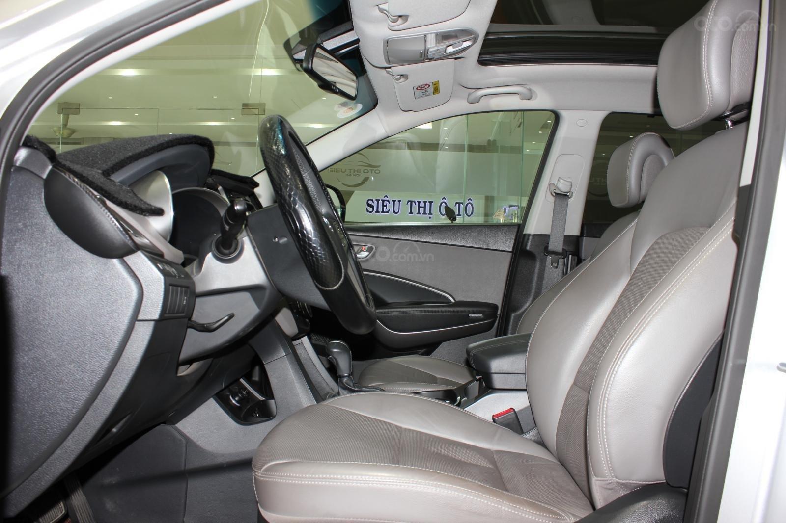 Bán xe Hyundai Santa Fe 2.2 4WD năm sản xuất 2017, màu bạc (9)