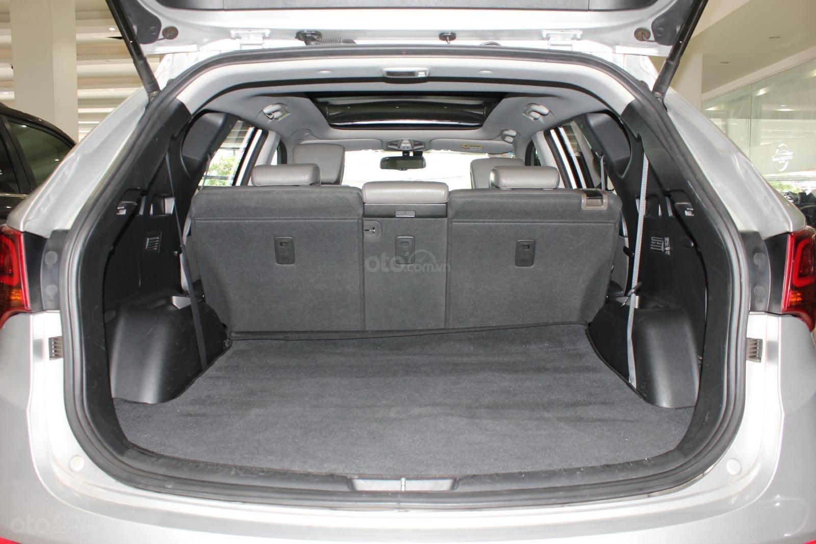 Bán xe Hyundai Santa Fe 2.2 4WD năm sản xuất 2017, màu bạc (15)