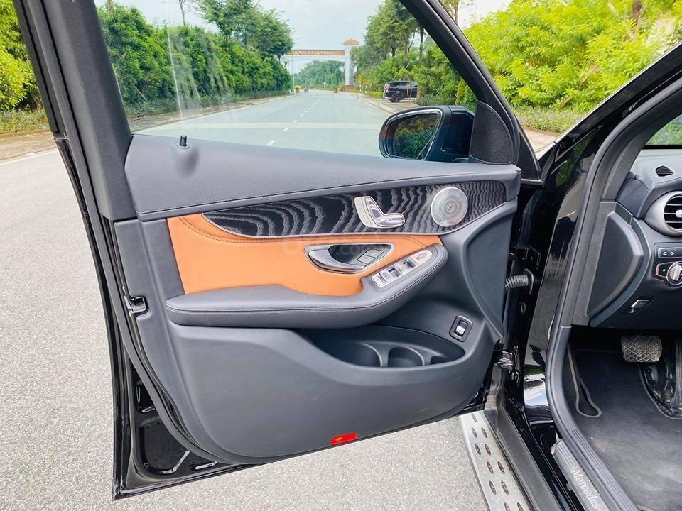 Bán xe Mercedes GLC300 2018 bản mới nhất có Apple Carplay, trả trước 750 triệu nhận xe ngay (16)