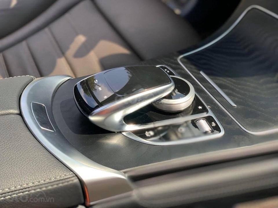 Bán xe Mercedes GLC 300 đời 2019 rất mới hiếm siêu lướt, trả trước 20% nhận xe ngay (9)
