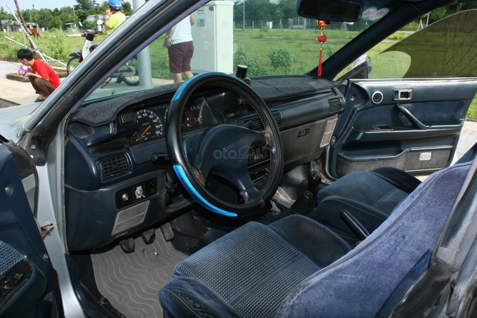 Bán ô tô Toyota Camry đời 1987, màu bạc, nhập khẩu nguyên chiếc chính chủ, giá 90tr (3)