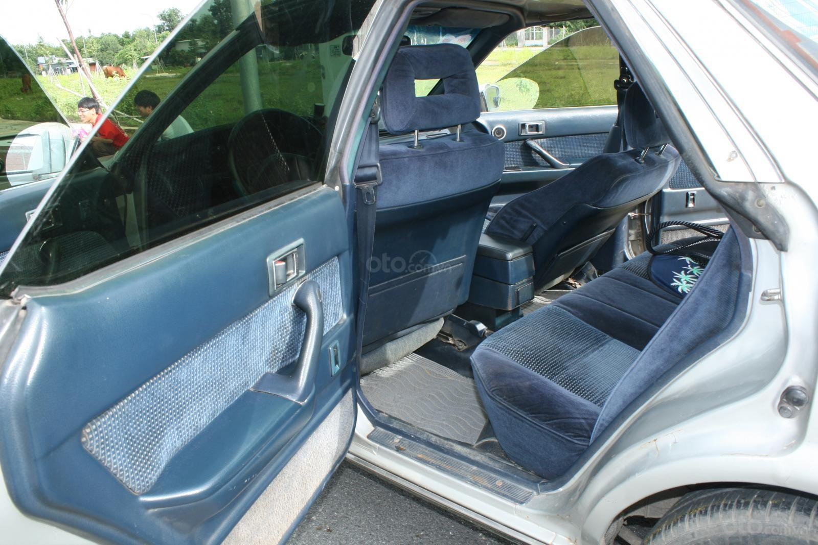 Bán ô tô Toyota Camry đời 1987, màu bạc, nhập khẩu nguyên chiếc chính chủ, giá 90tr (5)