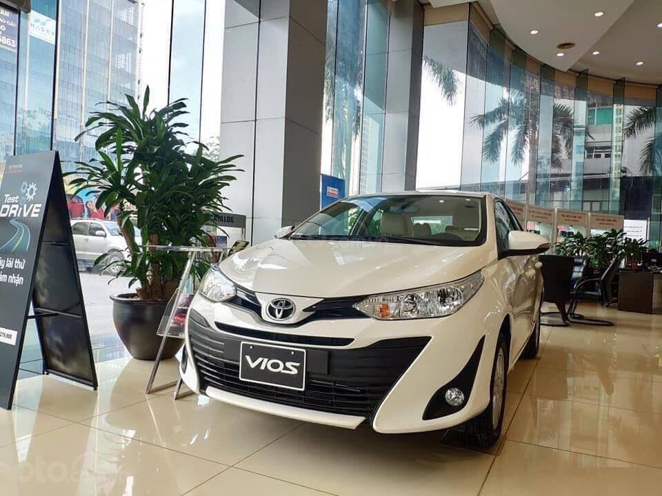 Giá xe Toyota Vios tự động sx 2019 giá rẻ nhất, giao xe ngay, hỗ trợ trả góp 85%. LH: 09.6322.6323 (1)