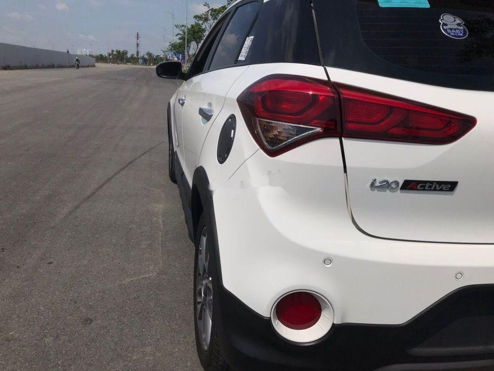 Bán Hyundai i20 đời 2016, màu trắng chính chủ xe nguyên bản (2)