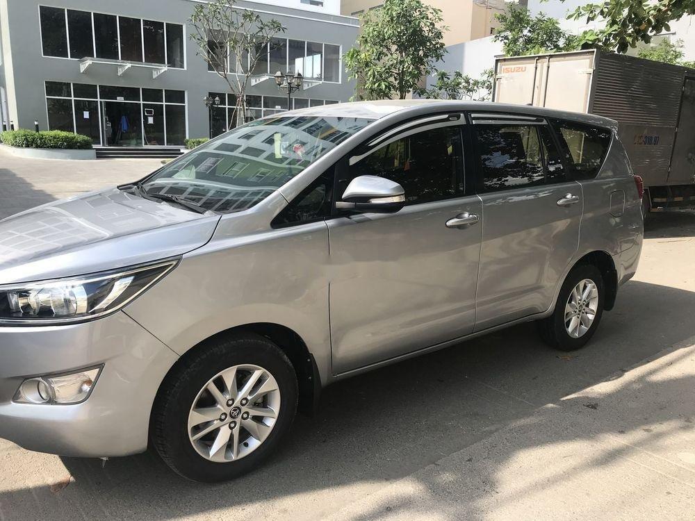 Cần bán Toyota Innova đời 2016, màu bạc xe nguyên bản (3)