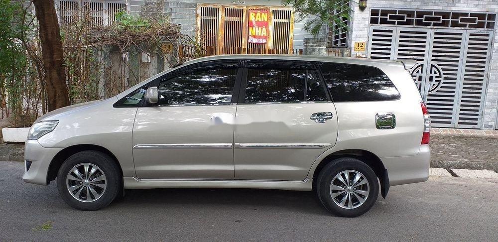 Bán xe Toyota Innova E sản xuất 2013 (8)