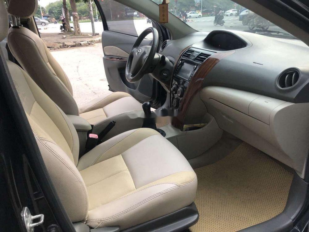 Cần bán gấp Toyota Vios năm sản xuất 2010, màu đen xe nguyên bản (4)