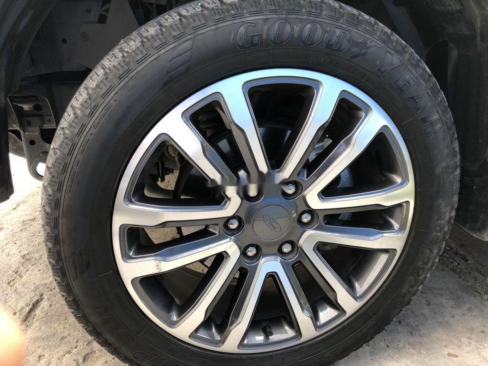 Bán Ford Everest sản xuất 2018, màu đỏ, nhập khẩu nguyên chiếc (10)