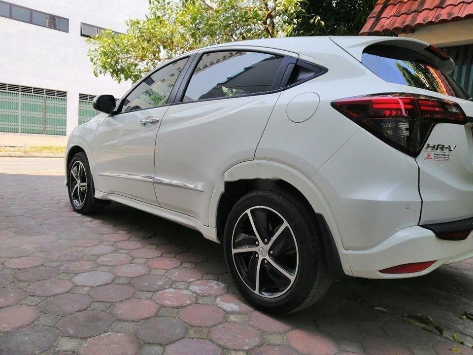 Cần bán Honda HR-V đời 2018 xe gia đình xe nguyên bản (6)