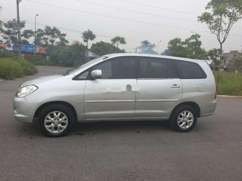 Cần bán gấp Toyota Innova đời 2007, màu bạc xe nguyên bản (11)