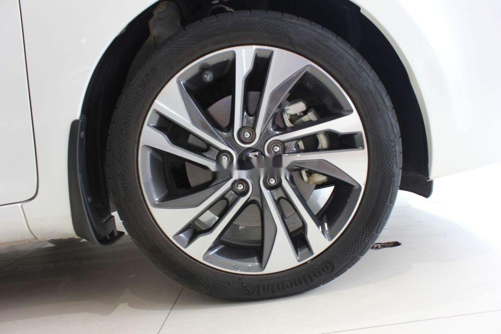 Cần bán Kia Rondo 2.0GAT sản xuất năm 2018, màu trắng (4)