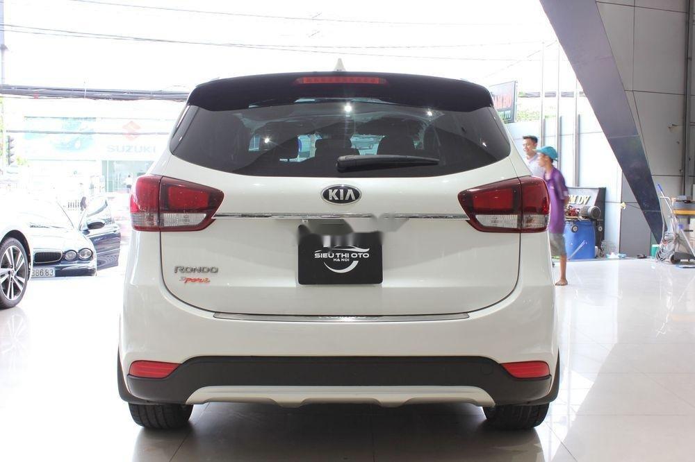 Cần bán Kia Rondo 2.0GAT sản xuất năm 2018, màu trắng (6)