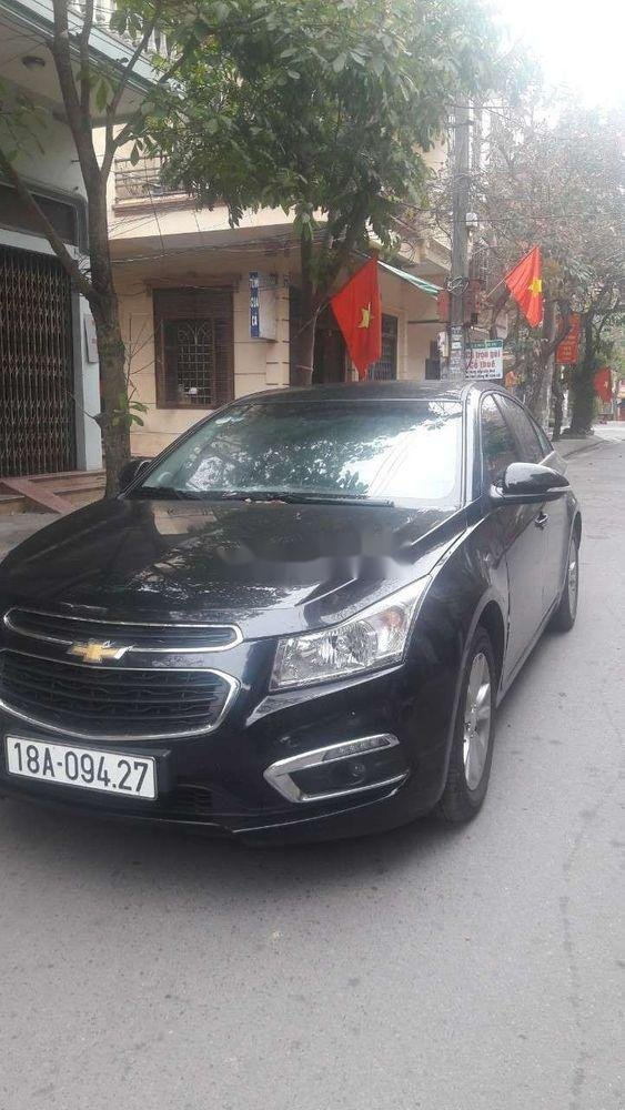 Cần bán lại xe Chevrolet Cruze sản xuất 2017, màu đen, nhập khẩu nguyên chiếc chính hãng (1)