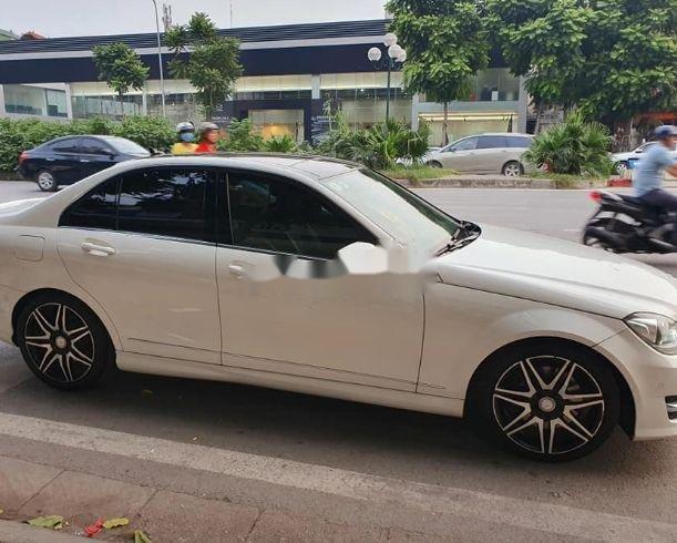 Bán ô tô Mercedes đời 2013, màu trắng xe nguyên bản (1)