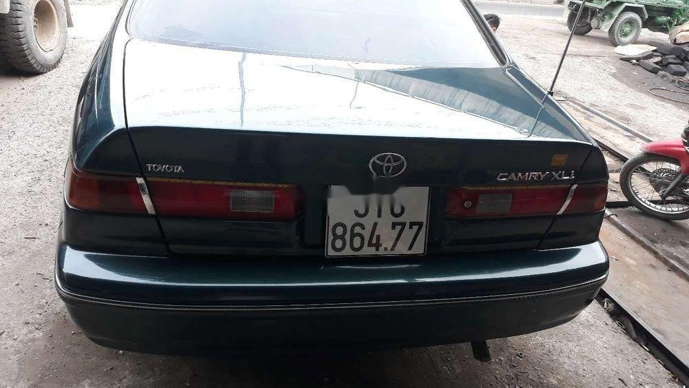 Cần bán xe Toyota Camry đời 1998, nhập khẩu xe gia đình (2)