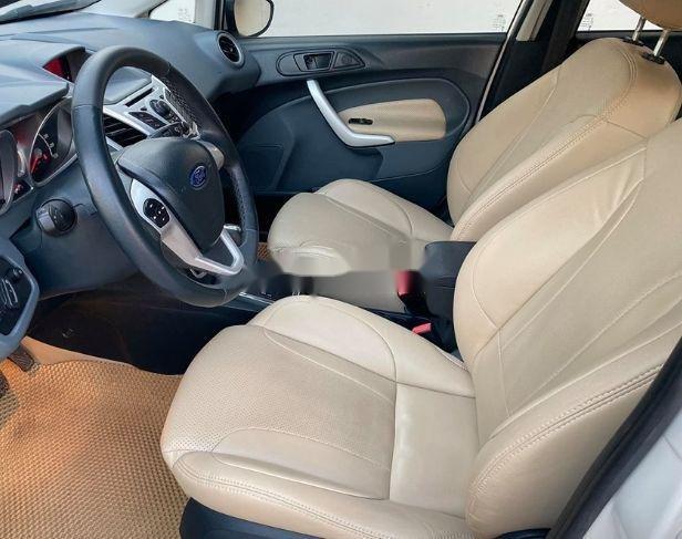 Bán xe Ford Fiesta đời 2013, màu trắng xe nguyên bản (4)