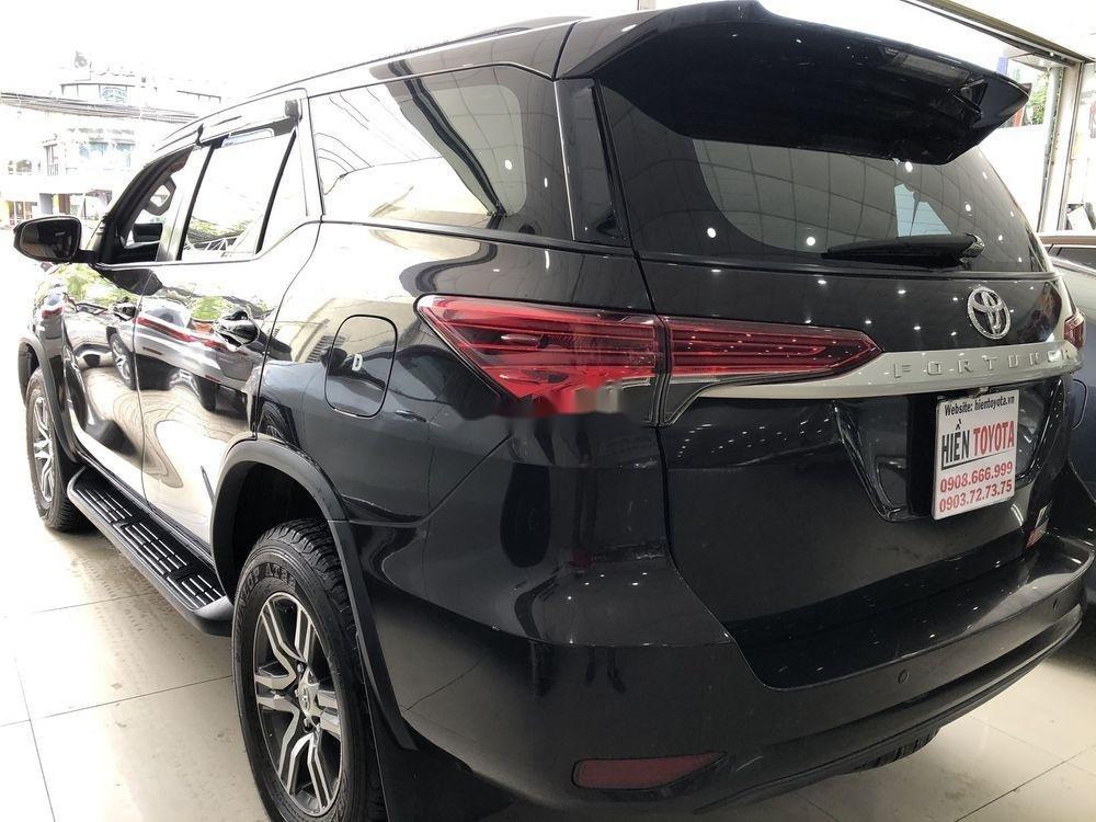 Bán xe Toyota Fortuner sản xuất năm 2017, xe nhập chính hãng (11)