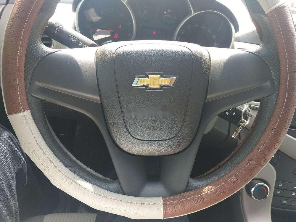 Bán Chevrolet Cruze năm sản xuất 2010 chính chủ, số sàn (6)