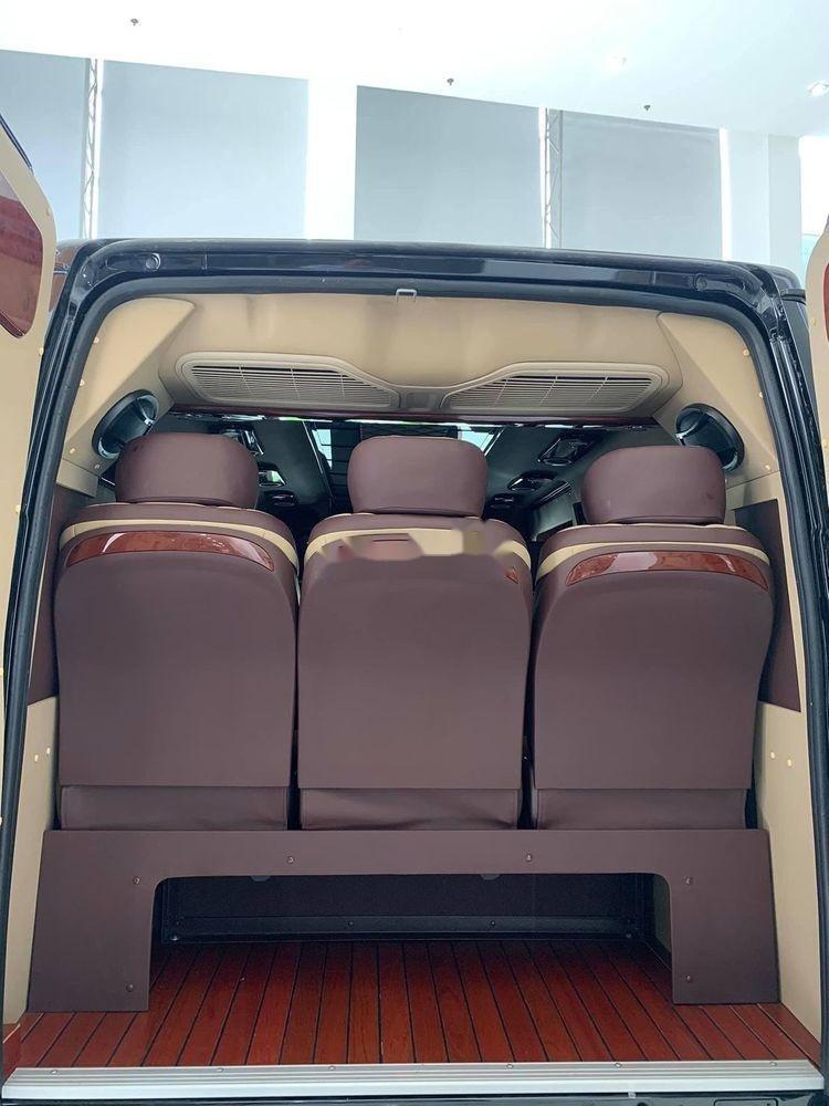 Bán Ford Transit Limousine sản xuất năm 2019, màu đen, mới hoàn toàn (11)
