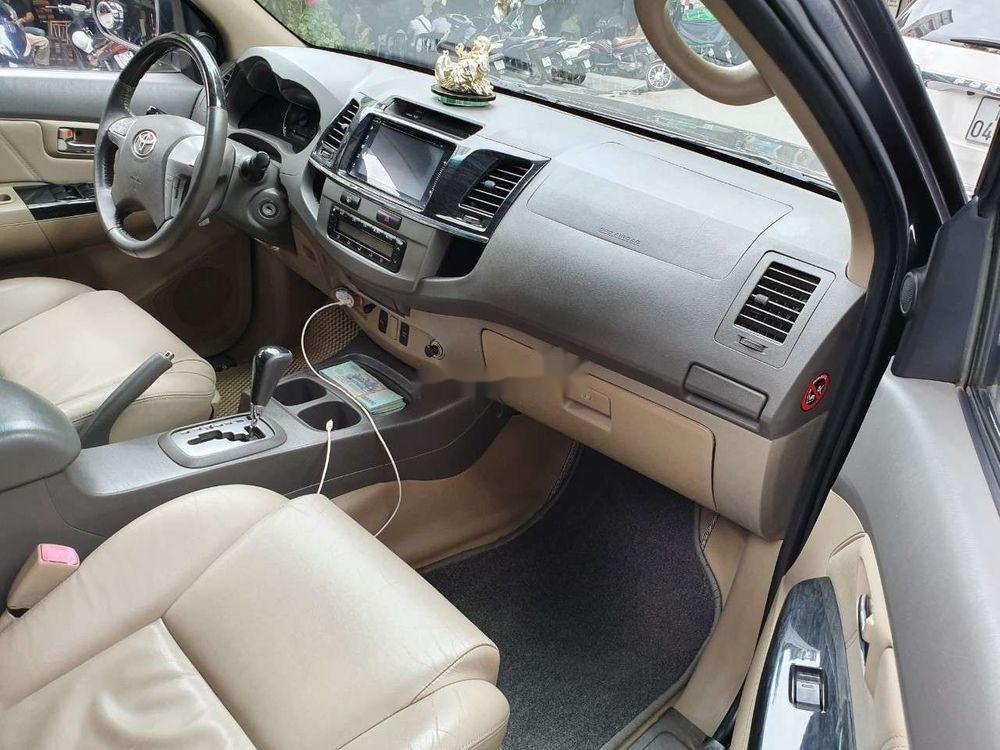 Cần bán xe Toyota Fortuner đời 2012 số tự động (4)