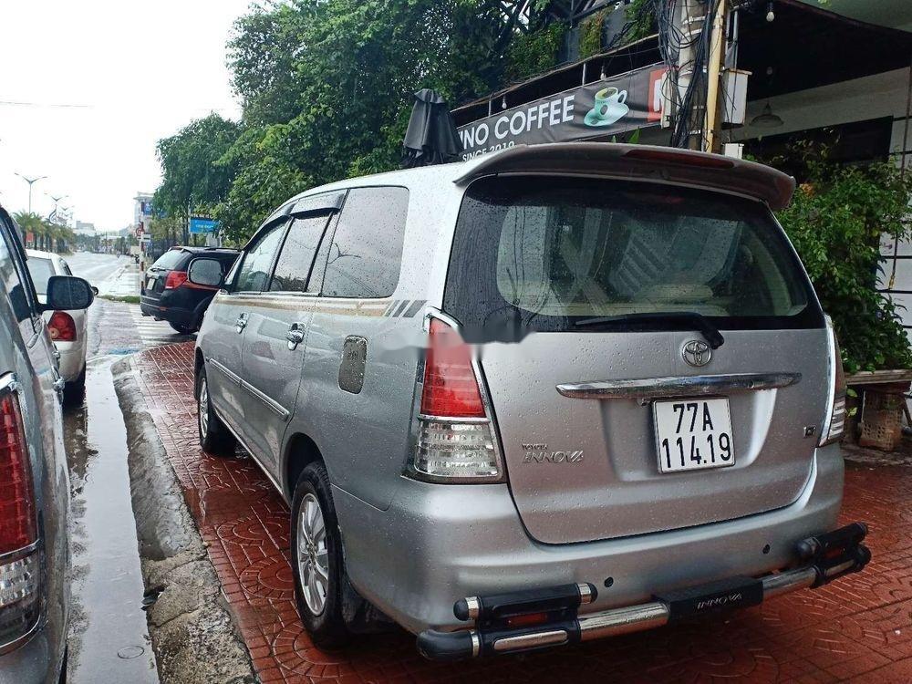 Cần bán lại xe Toyota Innova G đời 2009, màu bạc (5)