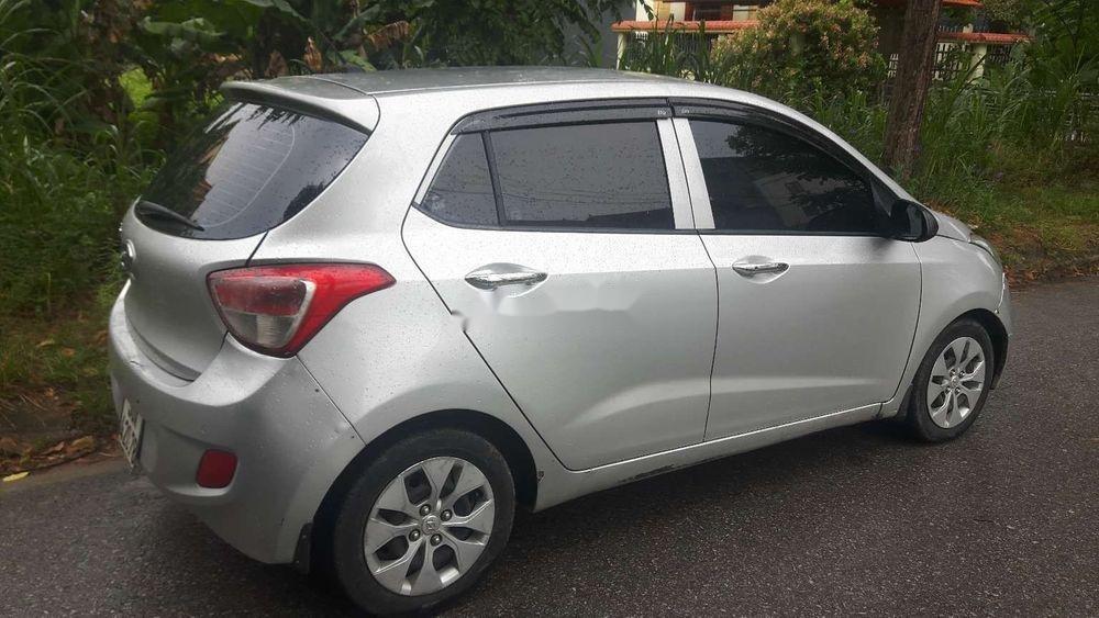 Cần bán gấp Hyundai Grand i10 2014, màu bạc, nhập khẩu nguyên chiếc, giá tốt (1)