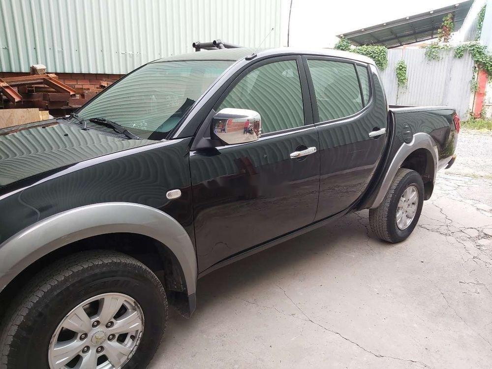 Cần bán xe Mitsubishi Triton sản xuất năm 2010, màu đen, nhập khẩu nguyên chiếc, giá tốt (2)