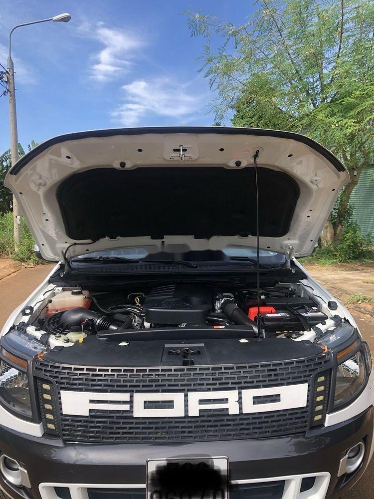 Xe Ford Ranger 3.2AT đời 2015, màu trắng, xe nhập  (6)
