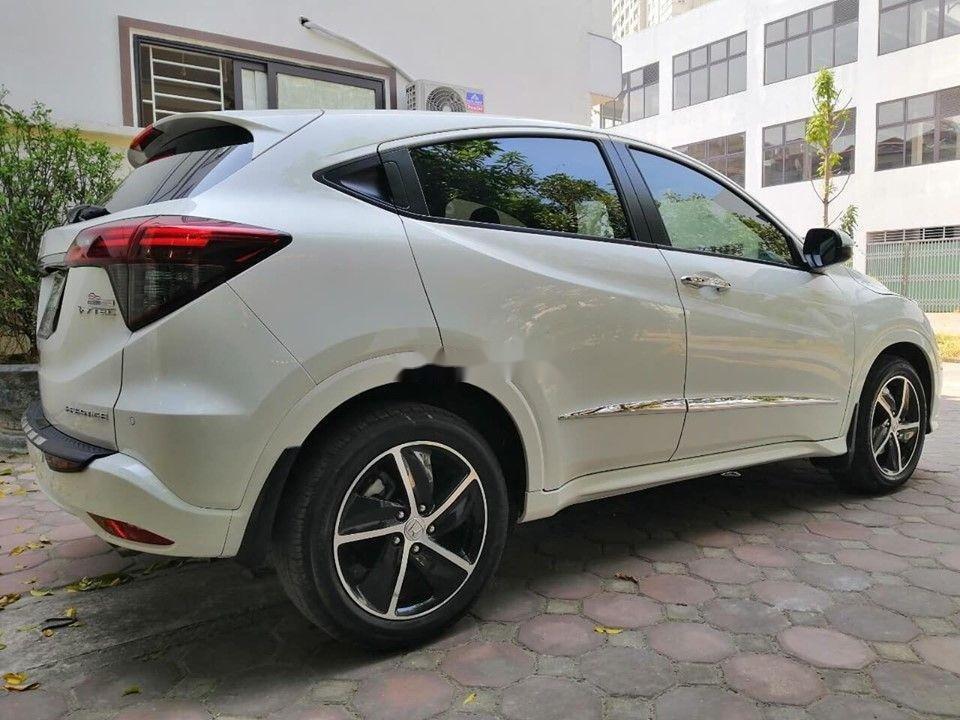 Cần bán Honda HR-V đời 2018 xe gia đình xe nguyên bản (1)