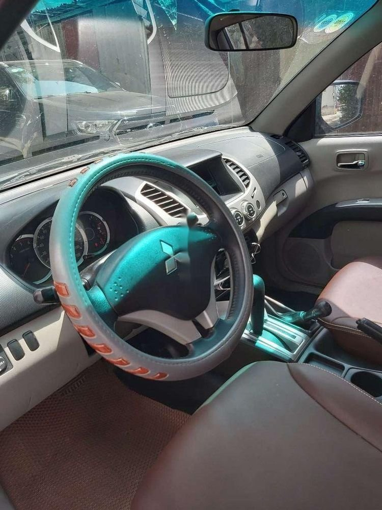 Cần bán xe Mitsubishi Triton sản xuất năm 2010, màu đen, nhập khẩu nguyên chiếc, giá tốt (12)