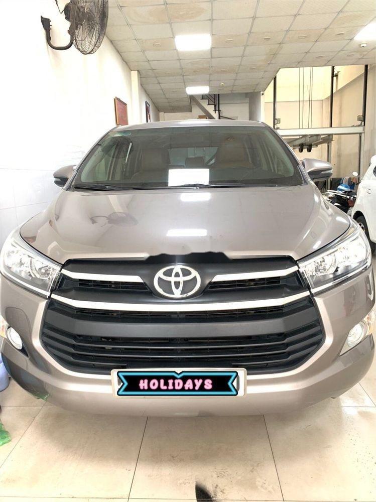 Bán ô tô Toyota Innova MT 2018 số sàn, 675tr (1)