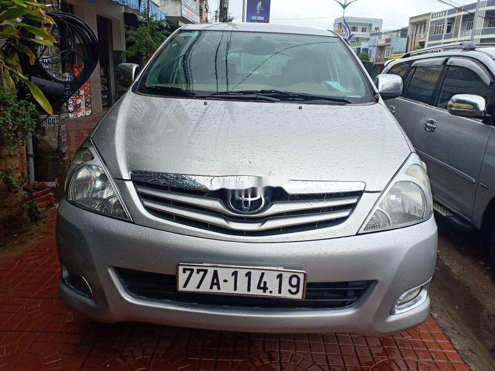 Cần bán lại xe Toyota Innova G đời 2009, màu bạc (1)