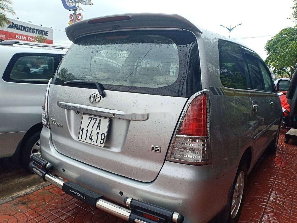 Cần bán lại xe Toyota Innova G đời 2009, màu bạc (2)