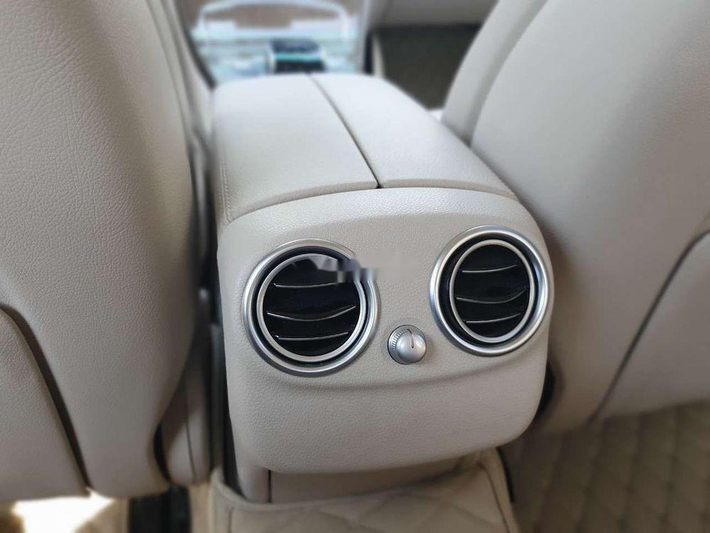 Bán Mercedes năm sản xuất 2016, màu đen xe nguyên bản (9)