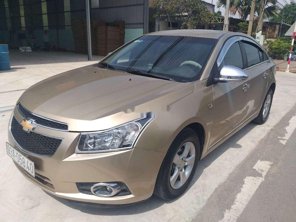 Bán Chevrolet Cruze năm sản xuất 2010 chính chủ, số sàn (1)